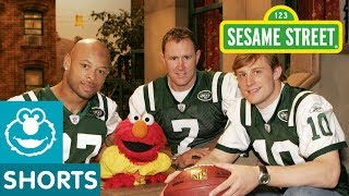 For more videos and games check out our new website at http://www.sesamestreet.org In this clip, Elmo meets three NY Jets and ...