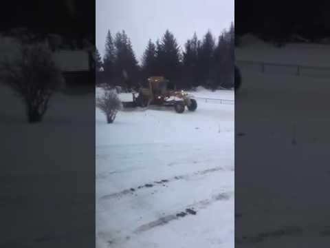 """Уборка снега на Аляске без """"блокировки"""" въезда во двор"""