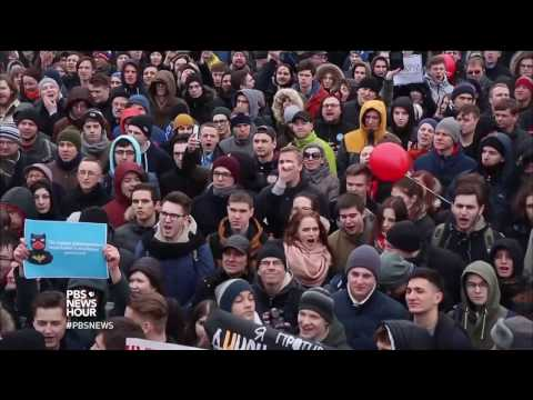 Why young Russians are mobilizing against corruption