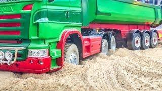 Video RC trucks! Truck stuck! Tractors! Heavy load! Epic compilation! MP3, 3GP, MP4, WEBM, AVI, FLV Juni 2018