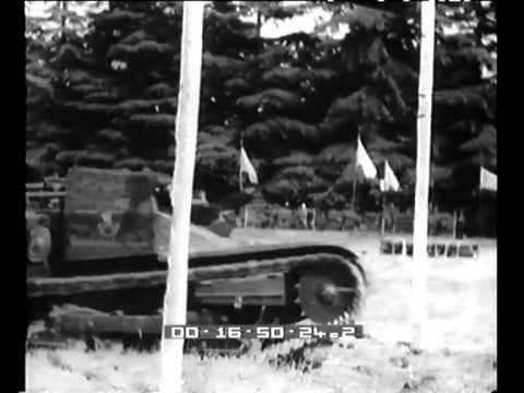 Giornale Luce B0892 del 27/05/1936 - concorso ippo-meccanico con simulazione di attacco di guerra a massa nel finale