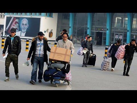 Στην Καμπούλ οι πρώτοι Αφγανοί που απελάθηκαν από τη Γερμανία