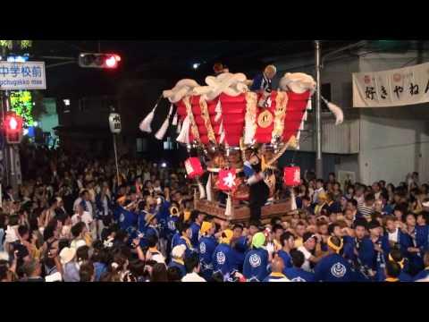 平成26年度の高安夏祭り(高安中学校付近)宮入風景です。