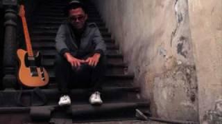 Broken - Sezairi (Lyrics)