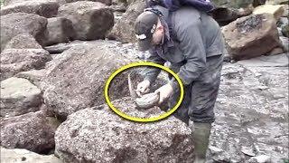 Download Video KAYA MENDADAK!! Dikira Batu Biasa, Pria ini Kaget! Ternyata Di Dalamnya Ada Benda Berharga!! MP3 3GP MP4