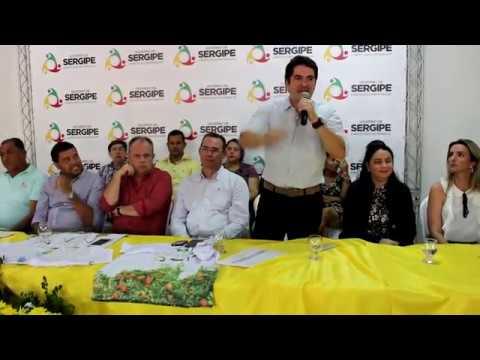 Gustinho discursa para trabalhadores rurais do centro-sul sergipano