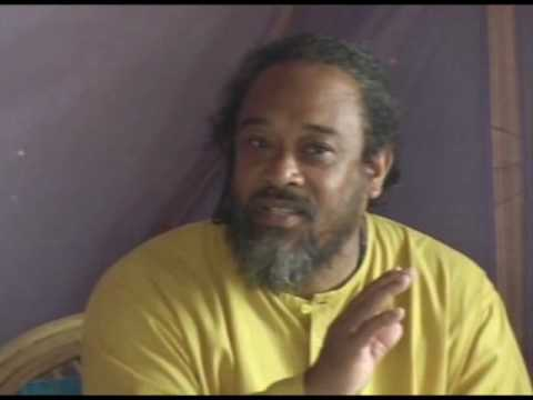 Mooji Video – Understanding the Contradictions