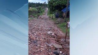 Marília: estrada comprometida pelos buracos