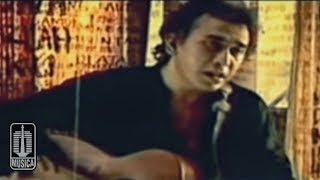 Iwan Fals - AKU BUKAN PILIHAN (Official Video)
