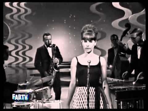 Astrud Gilberto & Stan Getz – The Girl From Ipanema (1964)