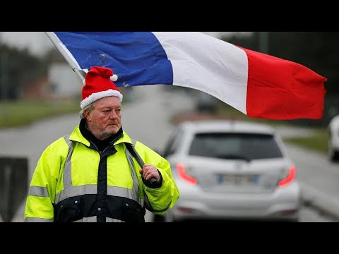 Γαλλία: Τα «Κίτρινα γιλέκα» κατασκήνωσαν στη Λιλ