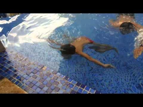 Quang tèo bơi
