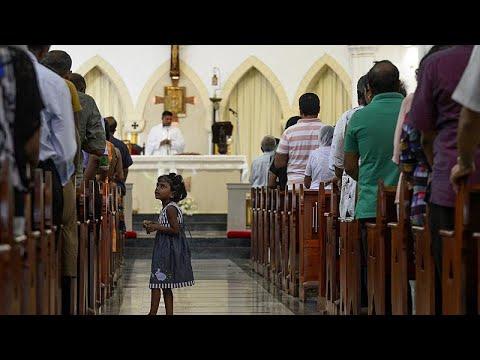 Άνοιξαν πάλι οι εκκλησίες στη Σρι Λάνκα