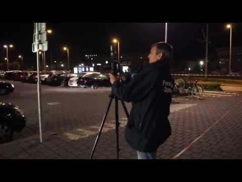 Daders plofkraak blokkeren kruising met hekken voor politie