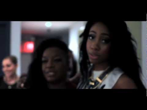 "Behind the Scenes: Sevyn Streeter at BET's ""Rip The Runway"""