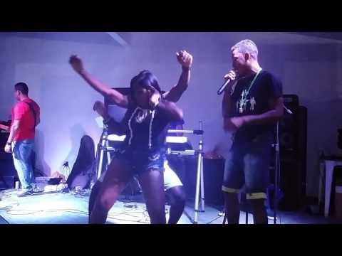 Banda kuarto revirado ao vivo em Itamarati