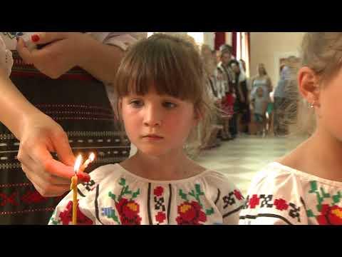 """Șeful statului a participat la Festivalul ortodox """"Un trandafir, o lumînare pentru Ștefan cel Mare"""""""