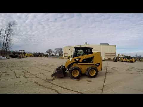 CATERPILLAR SKID STEER LOADERS 236B3 equipment video sXu7E7Ey_7U