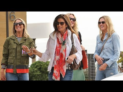 Supermodel Cindy Crawford Lunches With A Bevy Of Beautiful Friends In Malibu