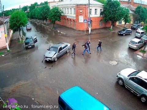 不能惹!!俄羅斯人開車遇車禍 處理方式讓人傻眼 直接....