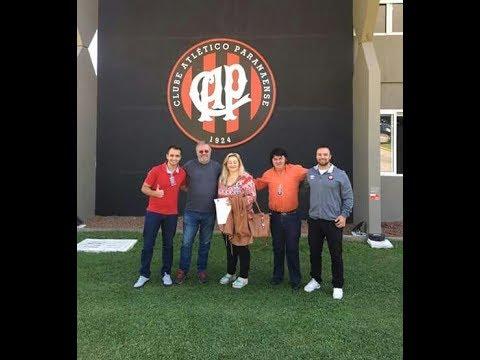 Prefeita Luciane Teixeira, de Agudos do Sul, irá implantar a escolinha de futebol.