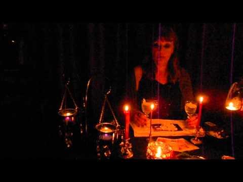 Провести ритуал в домашних условиях