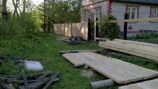 Монтаж забора на даче и покраска отработкой