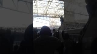 Amigos com ingresso sobrando convidam um catador de latinha palmerense para assistir seu primeiro jogo no estádio, vejam a emoção! !