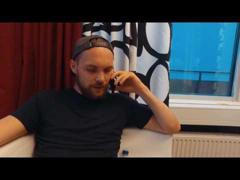 ÖSK-spelarna ringer supportrar på Västra Stå