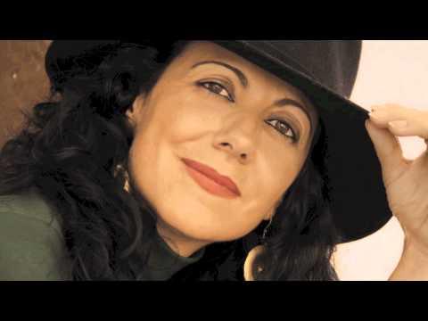 María Cavaes – Poinciana
