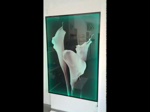 Glasbild mit Beleuchtung