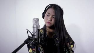 DESPACITO COVER BY HANIN DHIYA ITS AWESOME 😘