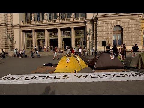 Ουγγαρία: Συγκέντρωση αλληλεγγύης στους πρόσφυγες ένα χρόνο μετά το φράχτη