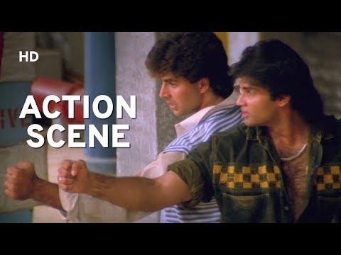 College Scene | Akshay Kumar | Suneil Shetty | Waqt Hamara Hai | Best Action Hindi Movie