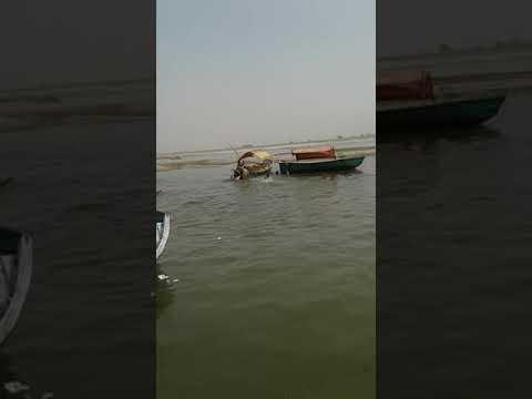 कर्तव्य पालन कर तीन दर्शनथियों को डूबने से बचाया, देखें लाइव वीडियो