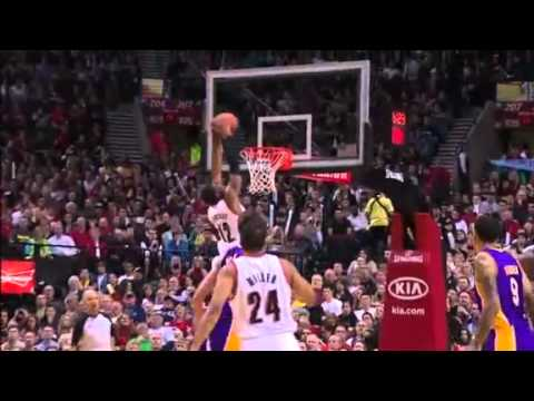 Miller to Aldridge back-to-back alley-oop dunks on Lakers