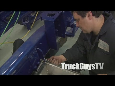 """Building the Retroliner"":  Episode 20 - ""Adding Some Stainless""...with a bit of ""MacGyvering"""