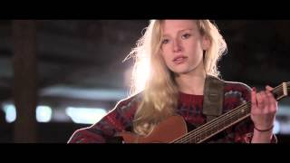 Billie Marten / Unaware (LIVE Video) - YouTube
