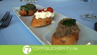 3erlei vegetarische Crostini mit Burrata und Chilli, mit Auberginencreme, Minze und Zitrone und mit mit Blattspinat und Fontina