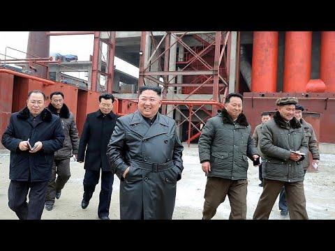 Η Πιονγκγιάνγκ κόβει τις γραμμές επικοινωνίας με τη Σεούλ…