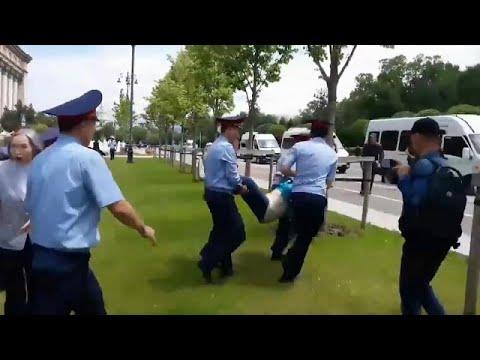 Κάτι αλλάζει στο Καζακστάν