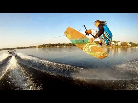 Wakeboarding with Collin Har...