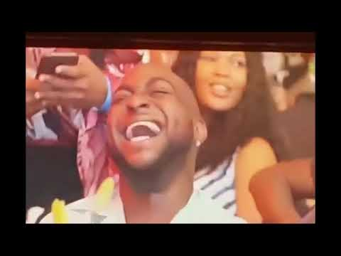 Davido Transfer Money To Akpororo Live On Stage After Ending Beef With Him