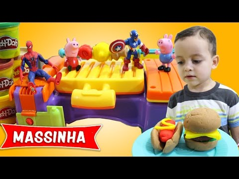 Video Pig George da Familia Peppa e Massinha de Modelar Play-Doh Fazendo Churrasco download in MP3, 3GP, MP4, WEBM, AVI, FLV January 2017