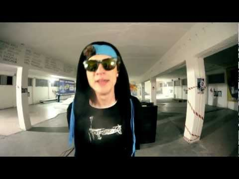 Tekst piosenki Tallib - Moje  feat. DJ FEEL-X (prod. Grrracz) po polsku