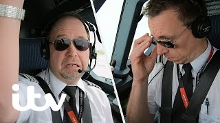 Video A New Pilot Makes His First Ever Flight With Passengers! | EasyJet: Inside The Cockpit | ITV MP3, 3GP, MP4, WEBM, AVI, FLV Juli 2019