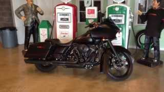 9. 2010 FLTRX Road Glide Custom 120R Screamin Eagle