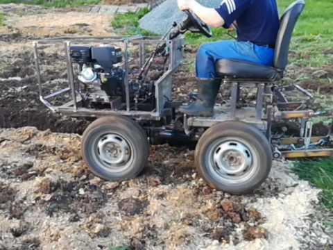Самодельный трактор сам пашет 4