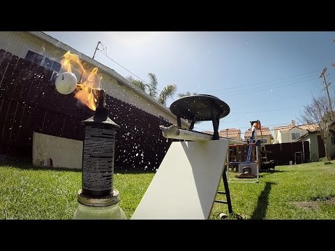 David Kalb's Amazing Backyard Golfing Stunts!