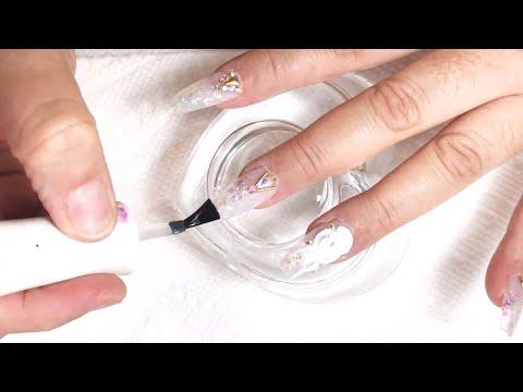 Uñas acrilicas - Diseño de uñas acrílicas en blanco transparente con decoración en tendencia